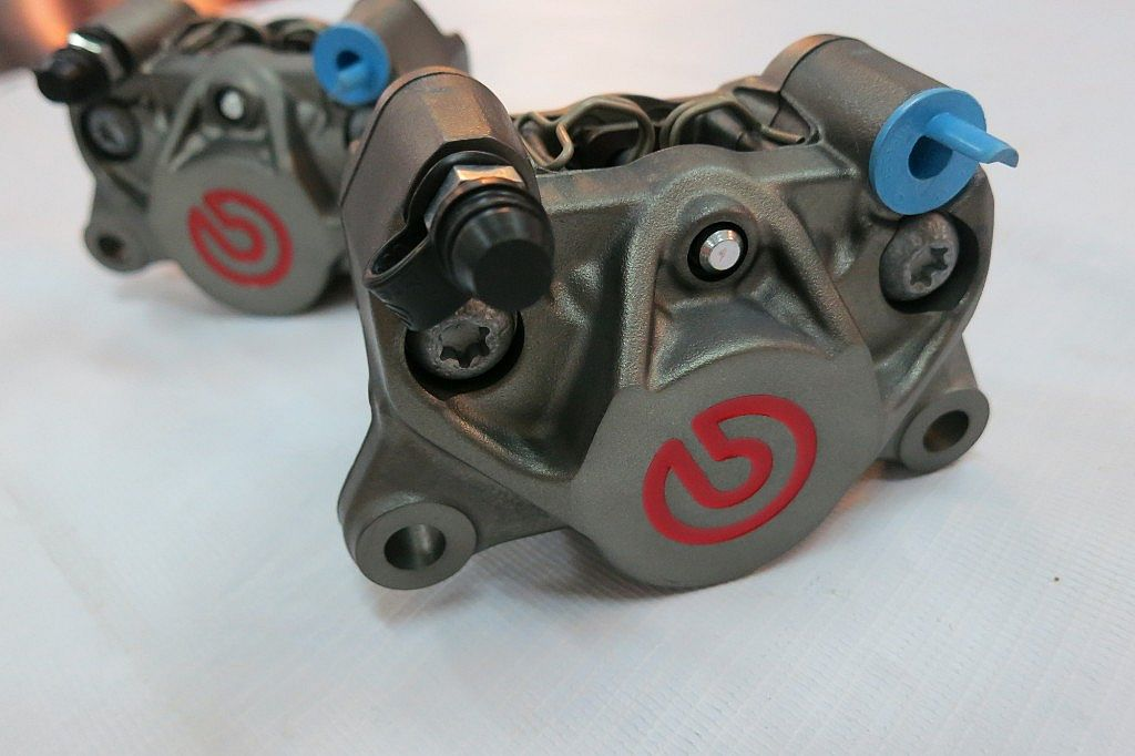 Brembo - Kaliper 1 Pin 2 Piston Grey Red Logo